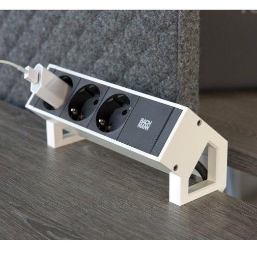 Opbouw stekkerdoos met 3 contactpunten - Bachmann Desk 2
